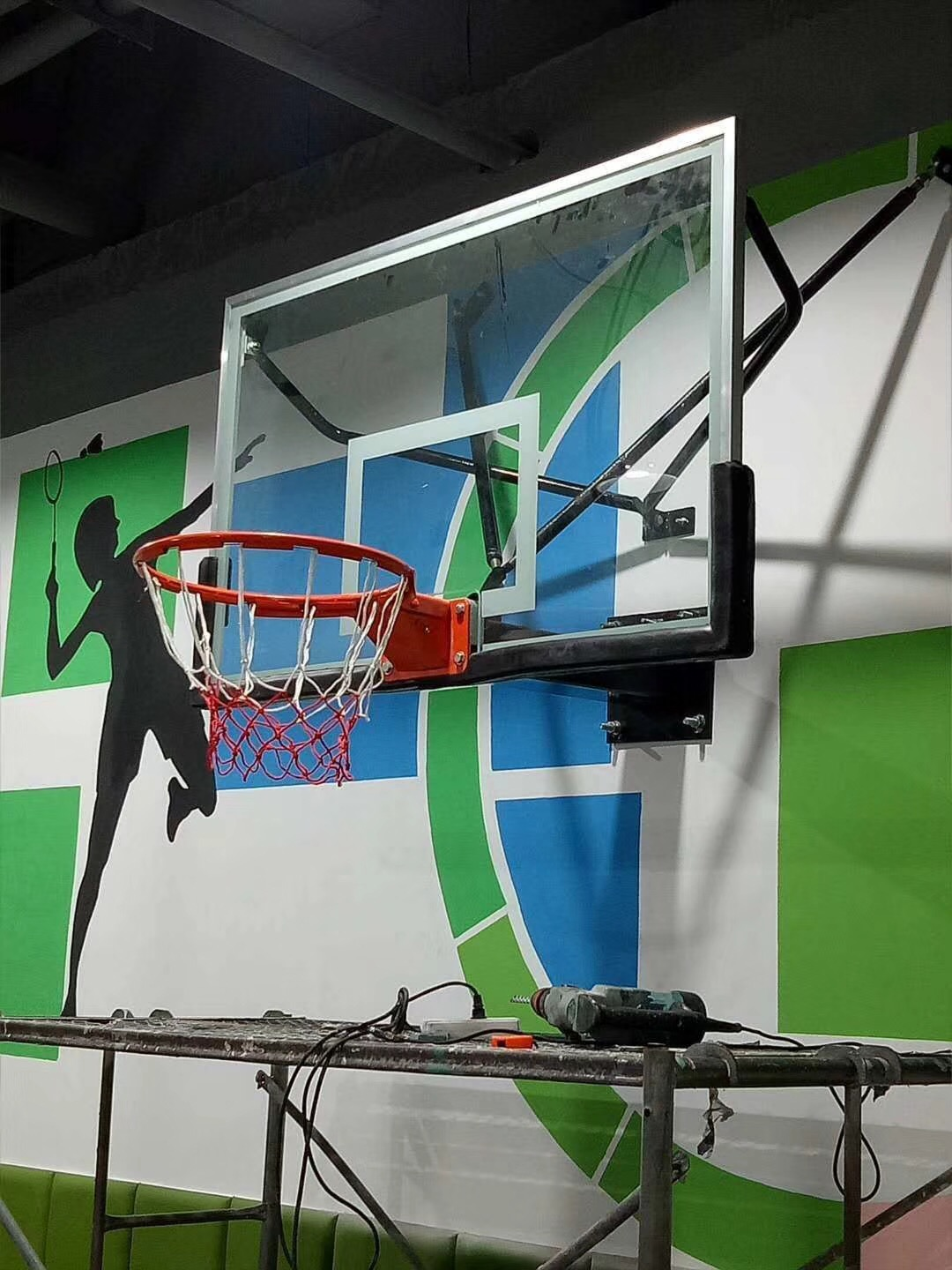 XOT-7005 挂壁式篮球架 Wall-Mounted Basketball Stand